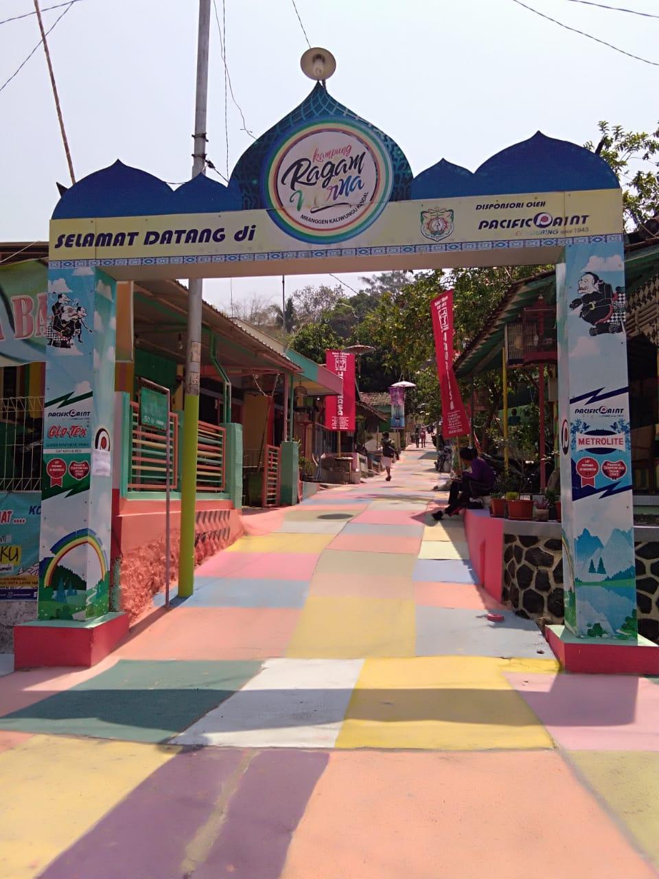 Kemeriahan Festival Drumblek Kampung Ragam Warna Mranggen Kaliwungu 2019